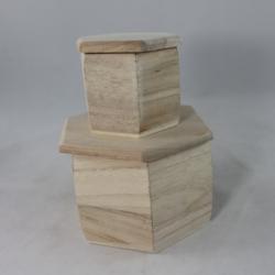 Hatszögletes fa doboz 2 db