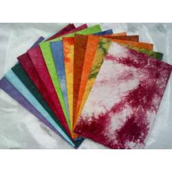Batikolt merített papír